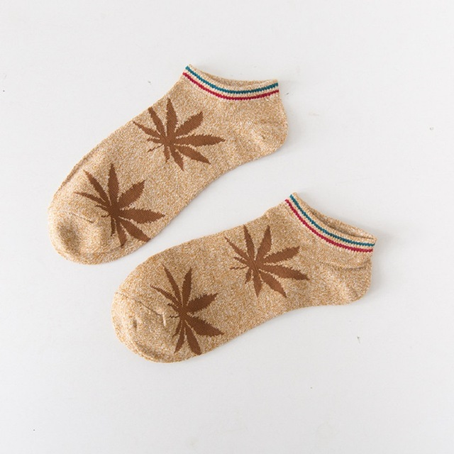 New-Fashion-Handsome-Men-Socks-Maple-Leaf-Socks-Skateboard-Men-Socks-Hemp-Socks-Cotton-Fashion-People.jpg_640x640 (3)